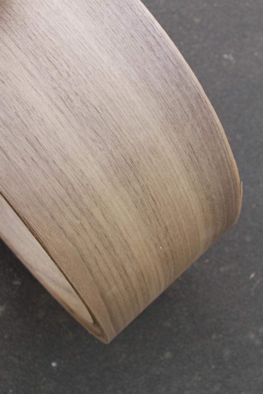 "A roll of 7"" x 10' walnut veneer G - Image 3 of 3"