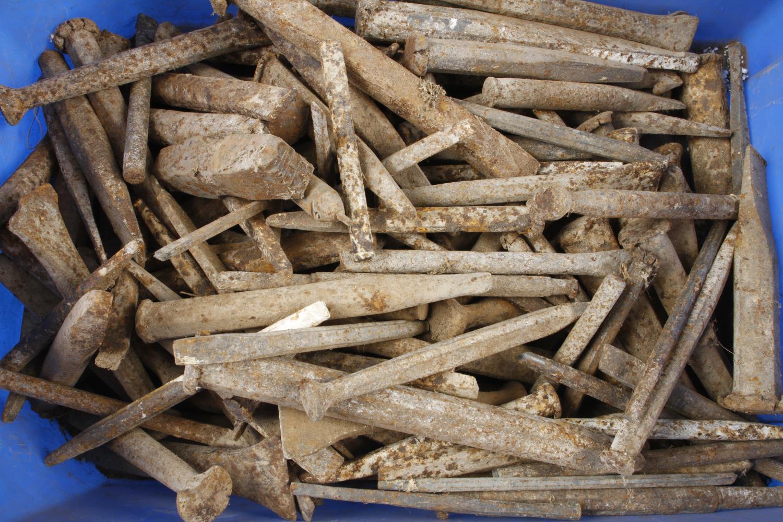 A quantity of stonemasons chisels rusty G- - Image 2 of 2