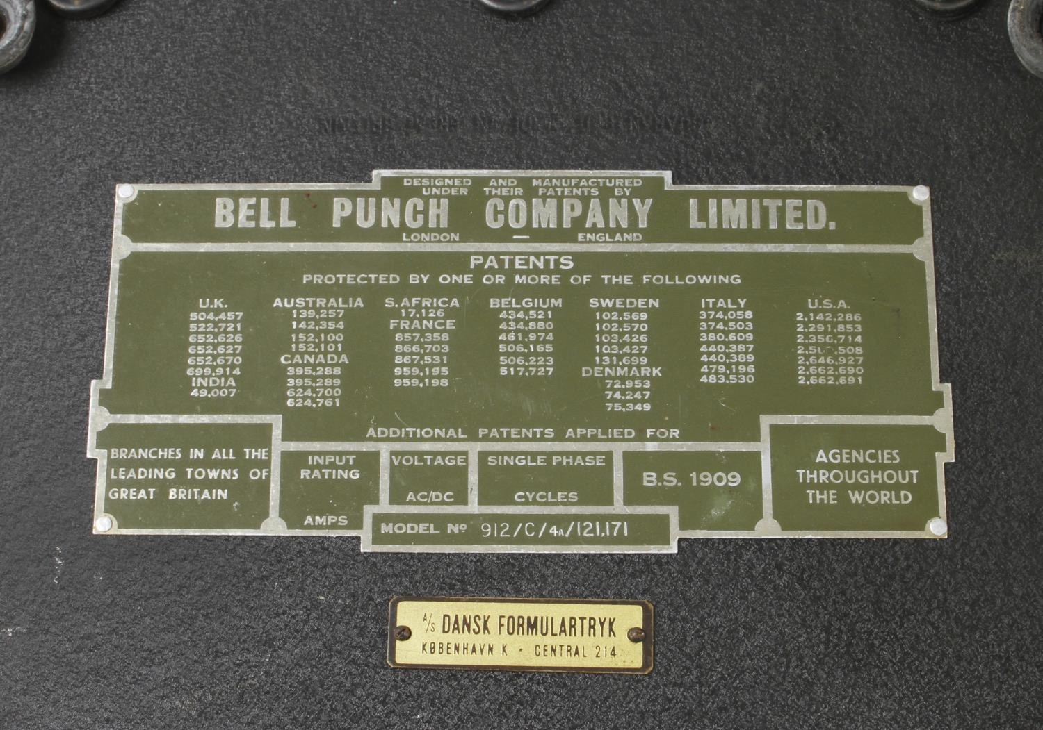 A FACIT mechanical calculator No 1004 c1970 and a SYMLOCK calculator by the PUNCH BELL Co G - Image 2 of 2