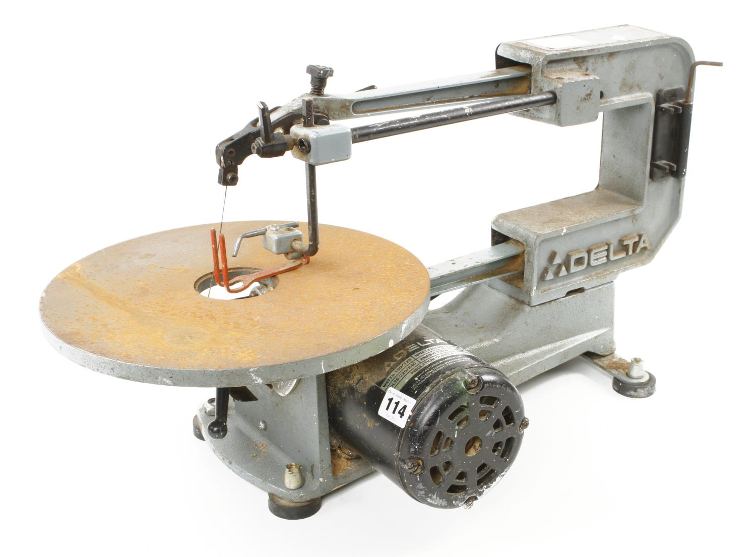 """A DELTA 16"""" two speed scroll saw a little light rust to table Pat tested G - Image 2 of 3"""