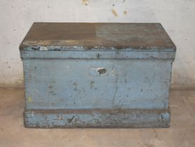 A large fitted tool chest for restoration
