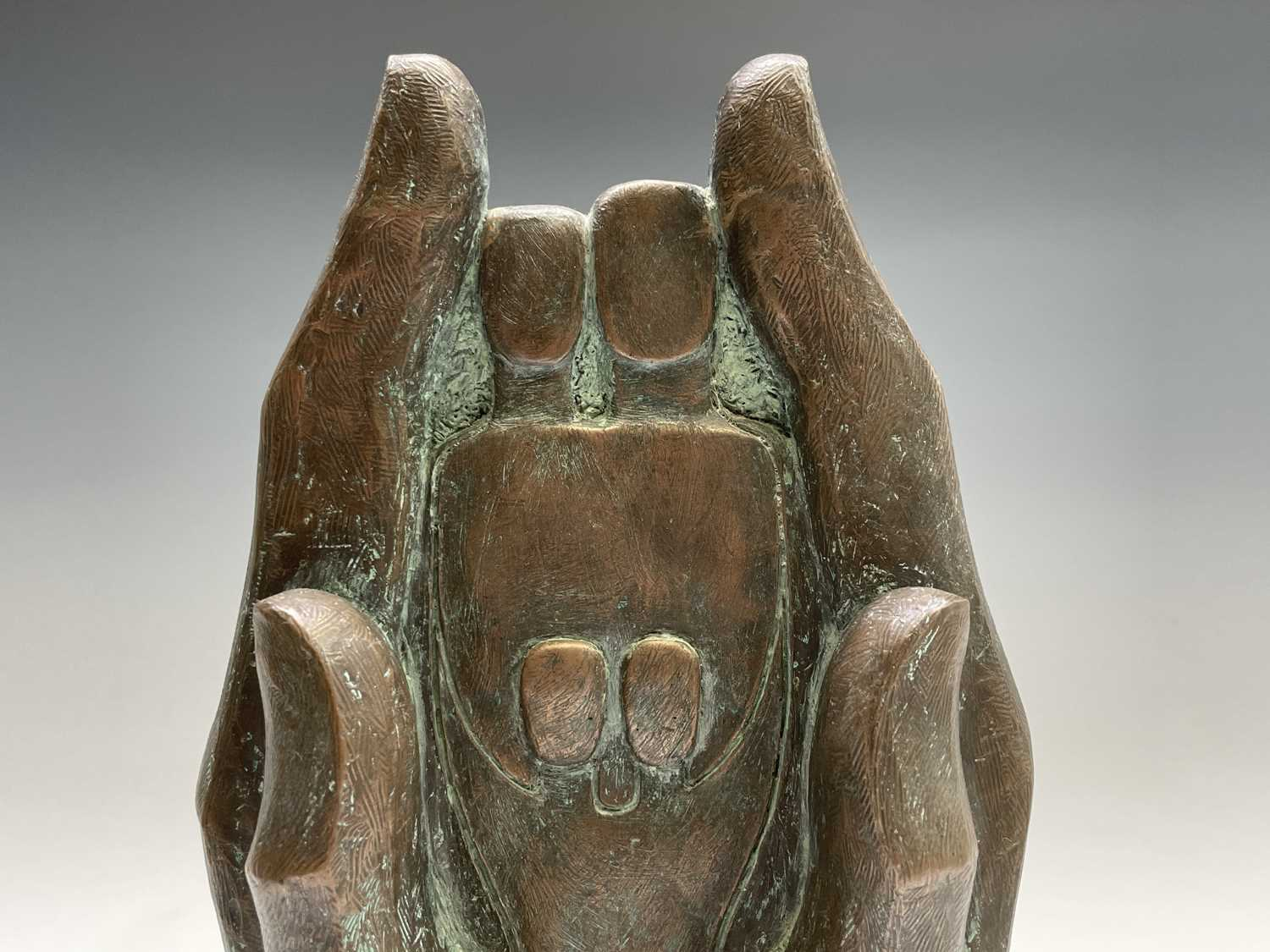 Alec WILES (1924)Hands Cold cast bronze sculpture Signed Height 34cm including wooden base - Image 3 of 9