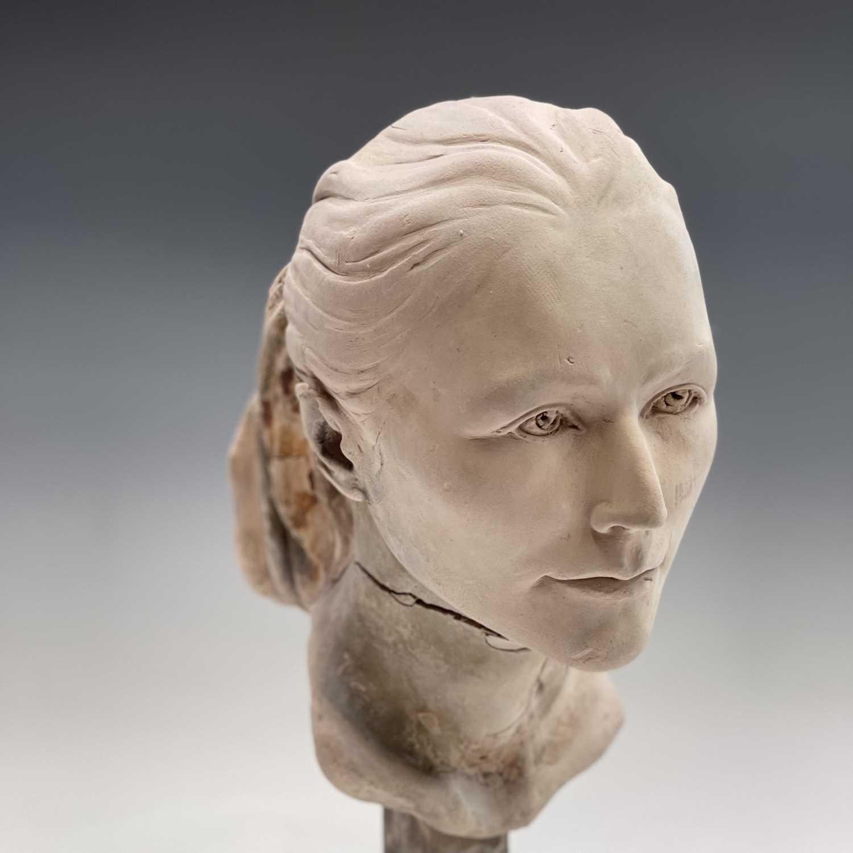 Alec WILES (1924)Female Head Plaster sculpture Height 42cm