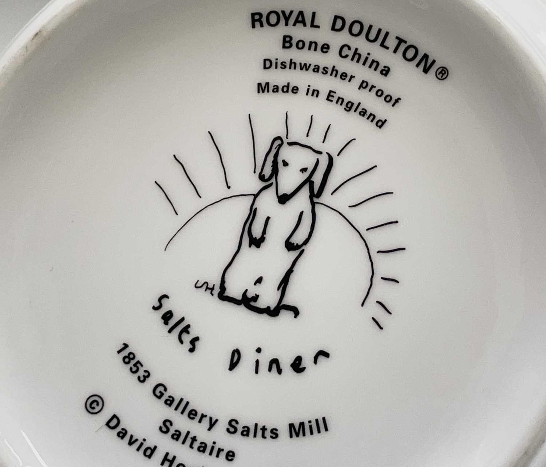 David HOCKNEY (1937) A Royal Doulton bone china bowl showing a design of a dog by David Hockney - Image 4 of 5