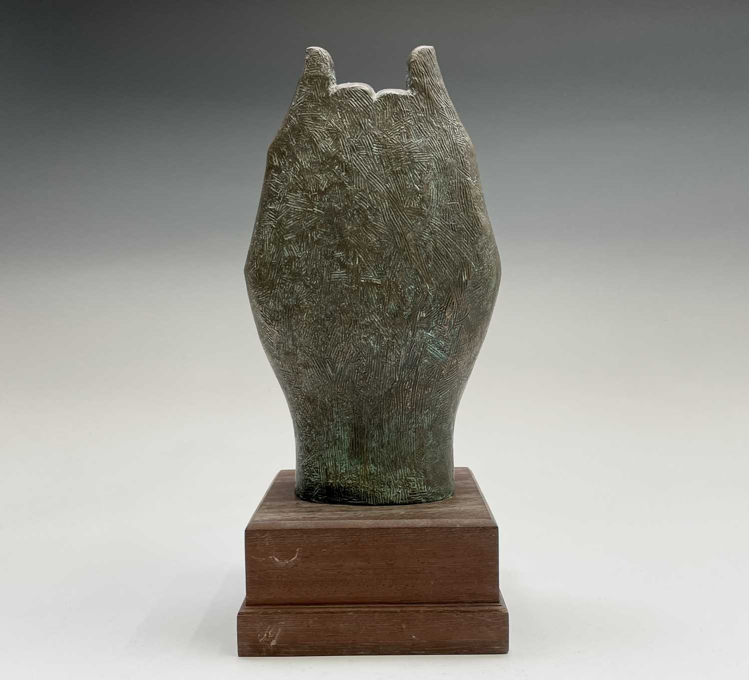 Alec WILES (1924)Hands Cold cast bronze sculpture Signed Height 34cm including wooden base - Image 9 of 9