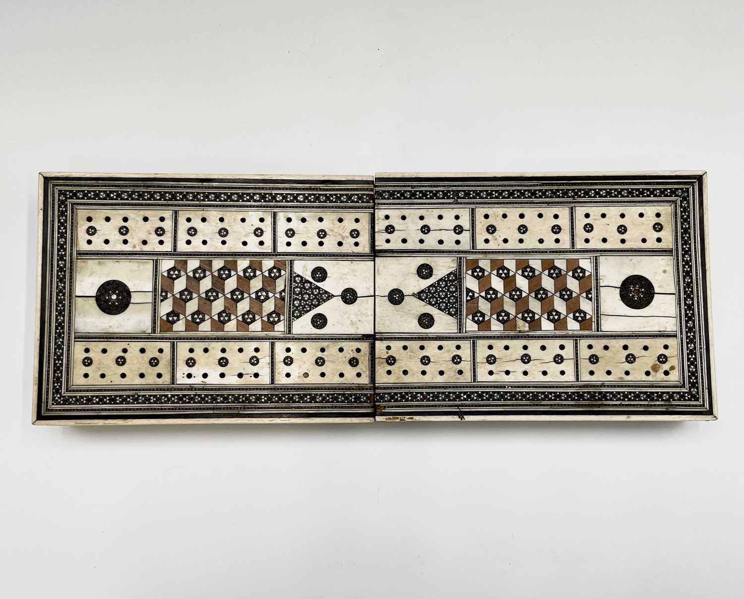 An Anglo Indian Vizagapatam and sadeli work banded folding cribbage board, 19th century, full length - Image 10 of 10