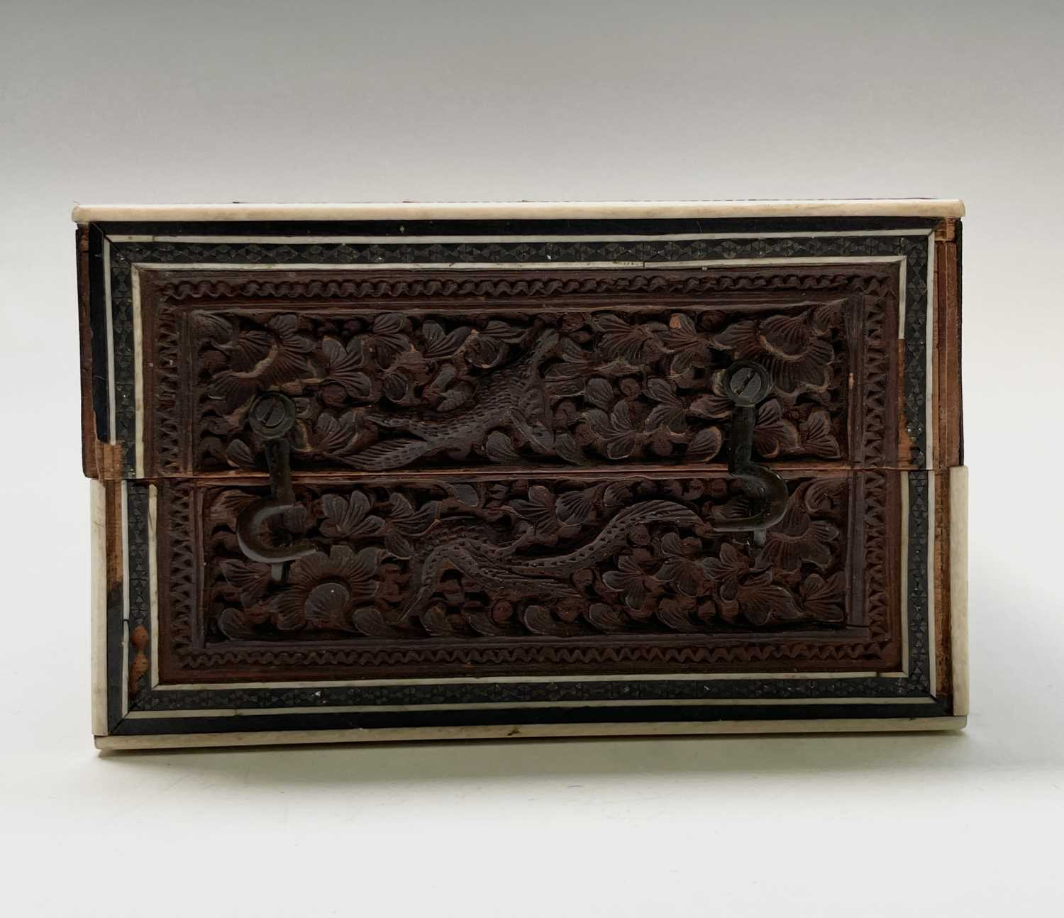 An Anglo Indian Vizagapatam and sadeli work banded folding cribbage board, 19th century, full length - Image 2 of 10