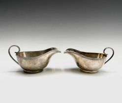 A pair of George V silver sauce boats by Joseph Rodgers & Sons Sheffield 1933 8.89ozCondition