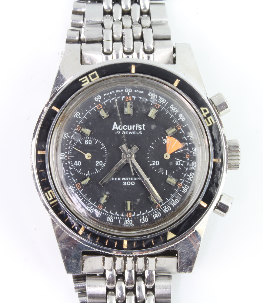 A gentleman's 1960's Accurist chronograph wristwatch with 2 subsidiary dials contained in a 37mm