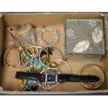 A quantity of vintage and other costume jewellery