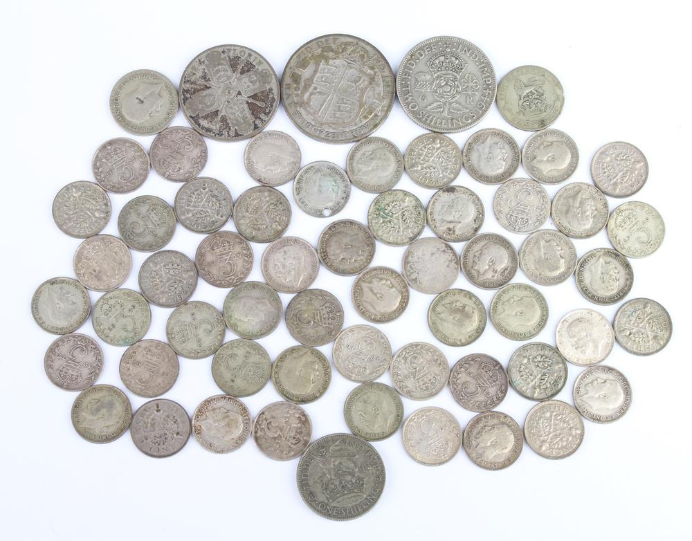 A quantity of pre-1947 silver coinage 120 grams
