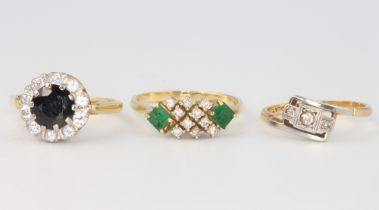 Three 18ct yellow gold gem set rings, size M, M and O, 10 grams