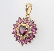 A 9ct yellow gold gem set heart shaped pendant 3.4 grams 30mm