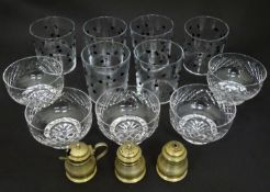 A box of assorted glass wares Please Note - we do not make reference to the condition of lots within
