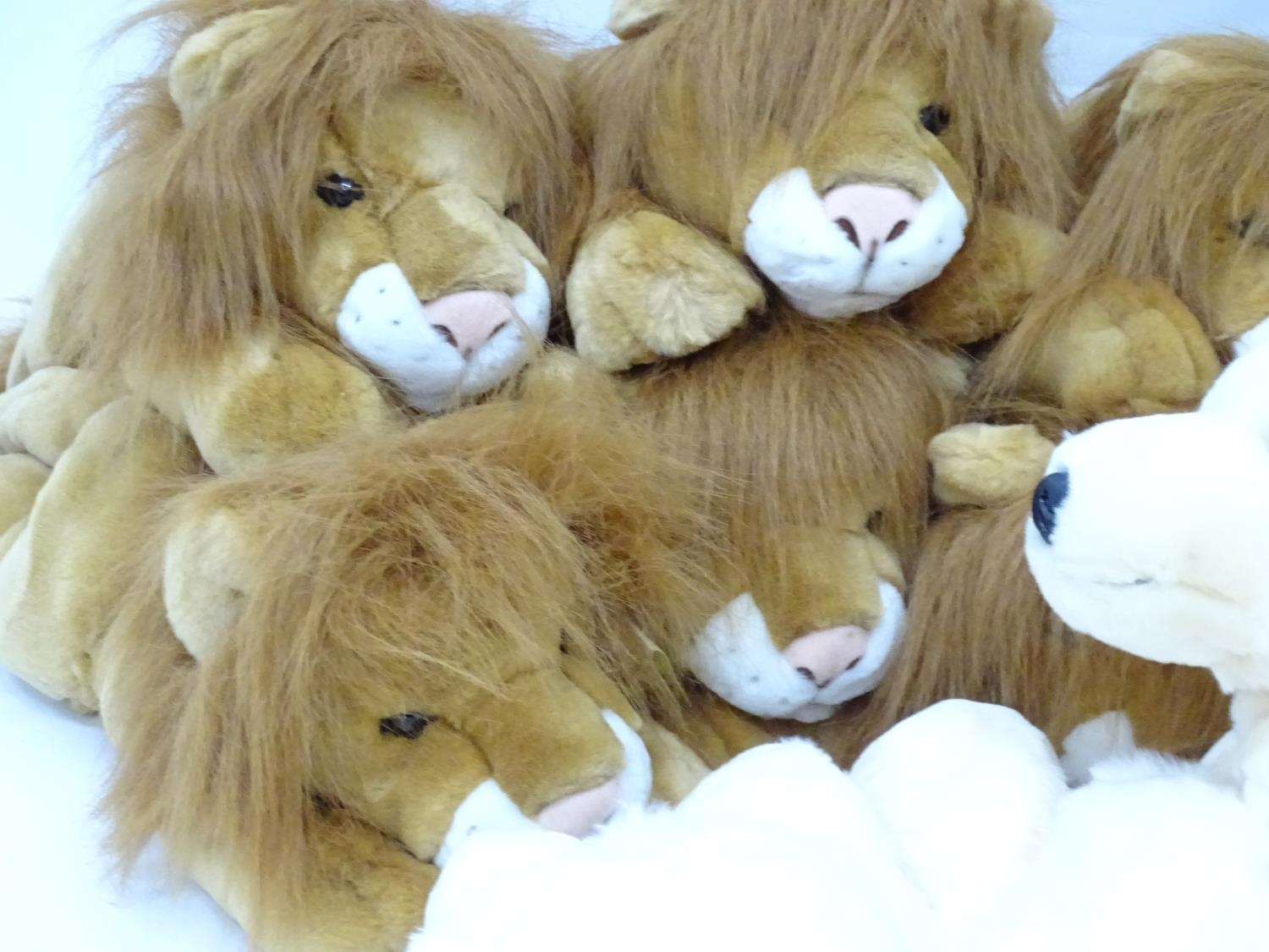 A quantity of Keel soft toys Please Note - we do not make reference to the condition of lots - Image 4 of 9
