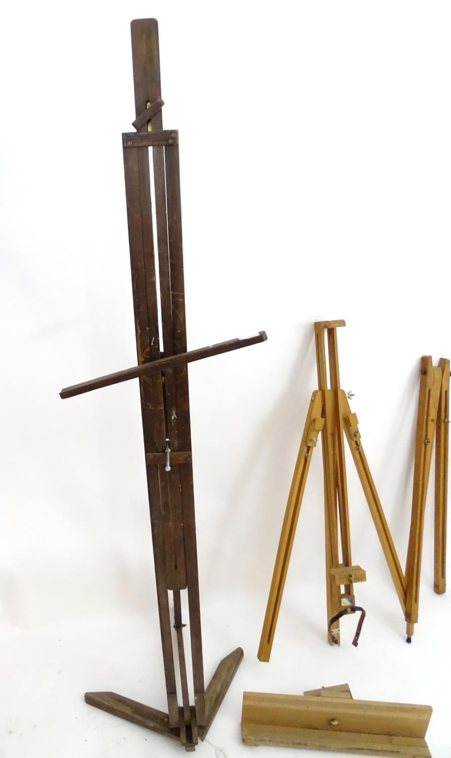 Two easels (2) Please Note - we do not make reference to the condition of lots within - Image 3 of 3