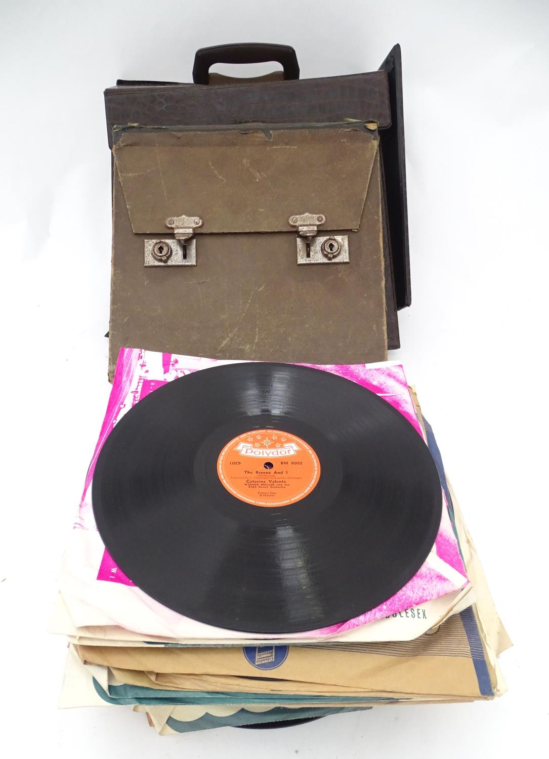 A quantity of 78 RPM vinyl records Please Note - we do not make reference to the condition of lots