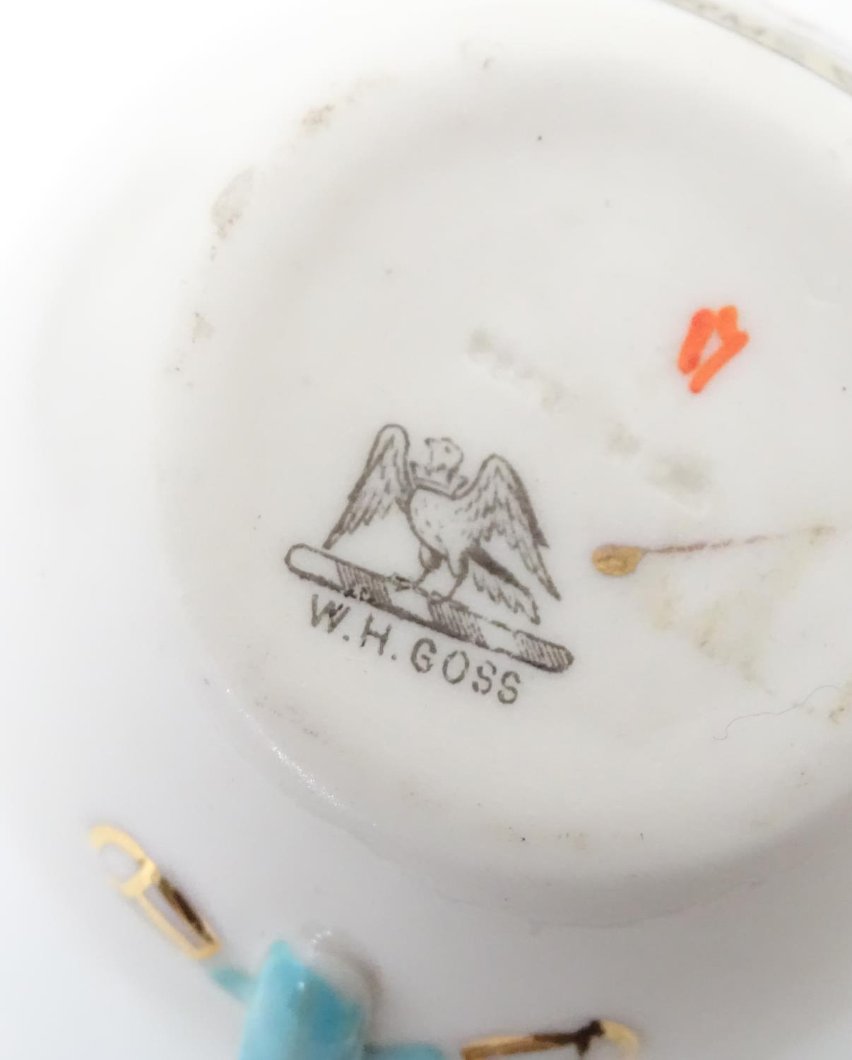 A quantity of Crested Ware to include Leicester camel, Blackpool rabbit, Lowestoft frog, etc. Please - Image 12 of 21