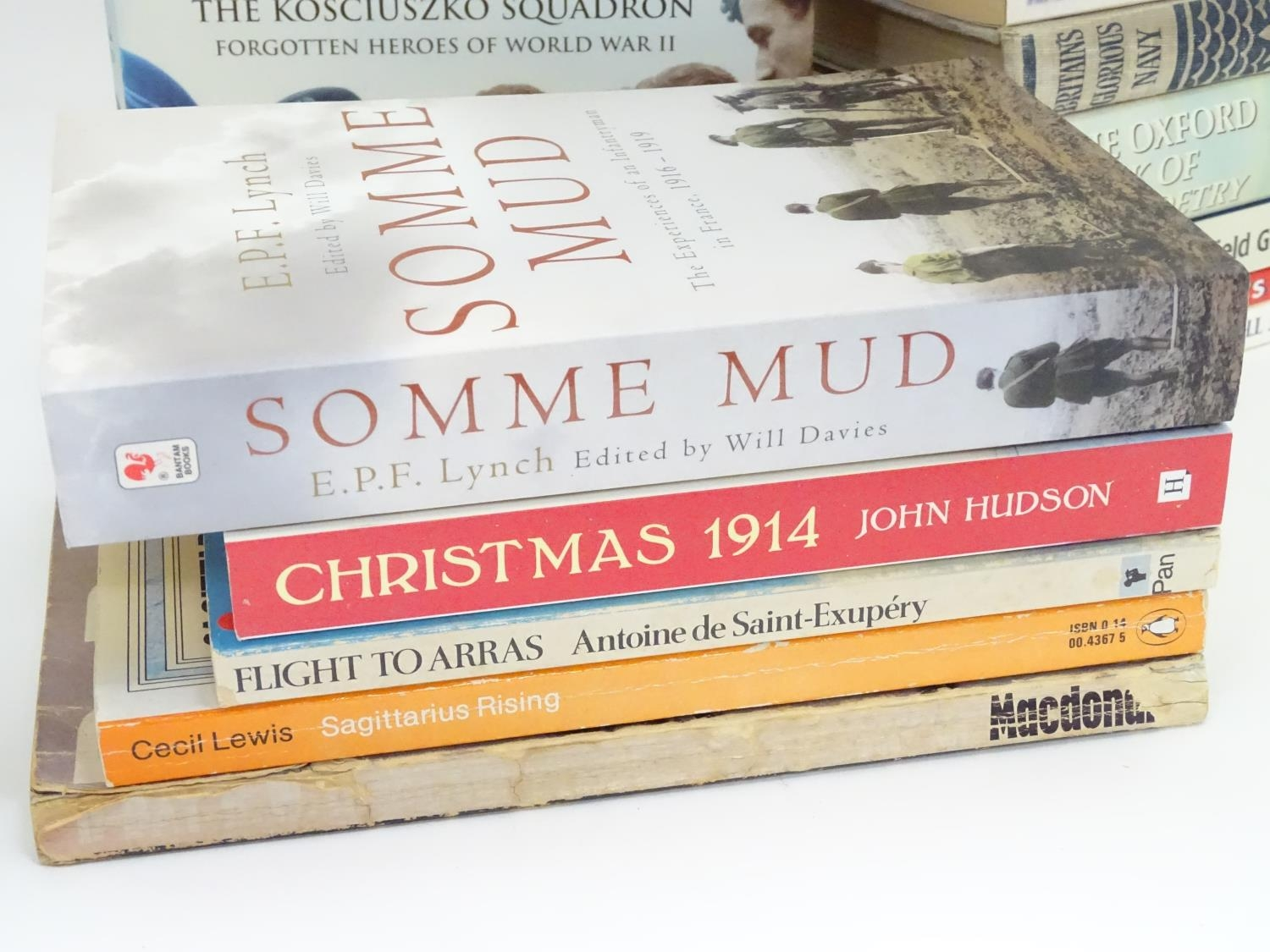 A quantity of books on the subjects of the First and Second World Wars Please Note - we do not - Image 3 of 5