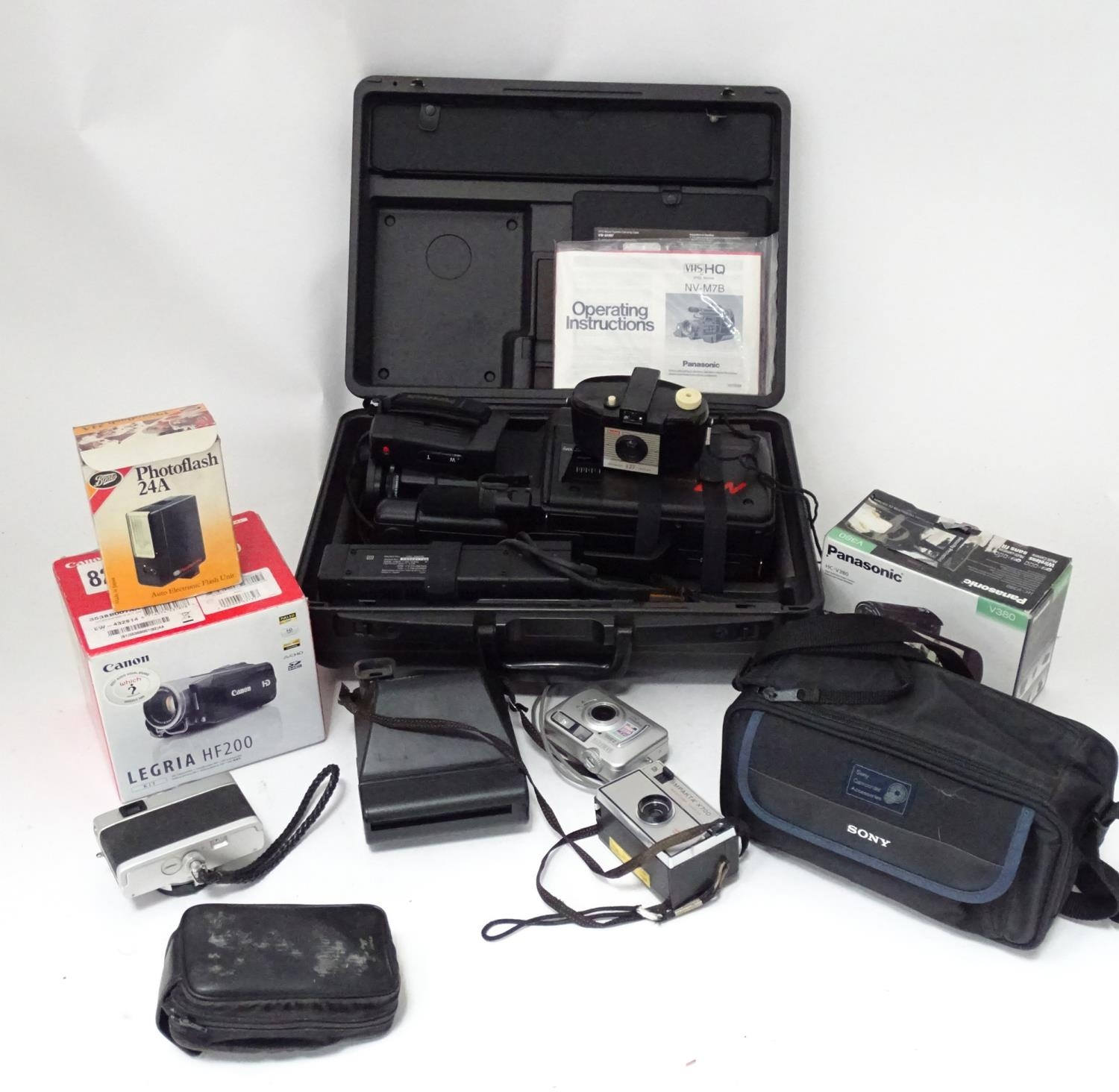 A quantity of cameras etc. Please Note - we do not make reference to the condition of lots within - Image 3 of 18