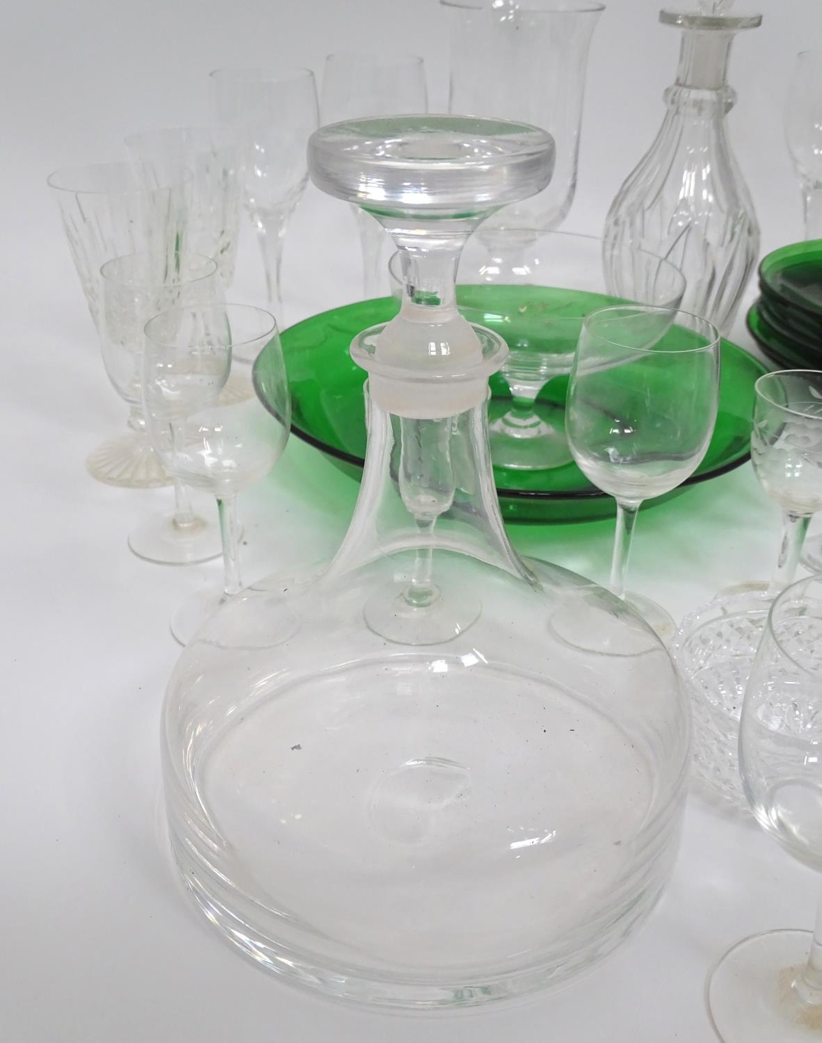 A quantity of assorted glassware to include decanters, drinking glasses, bowls etc Please Note - - Image 6 of 8