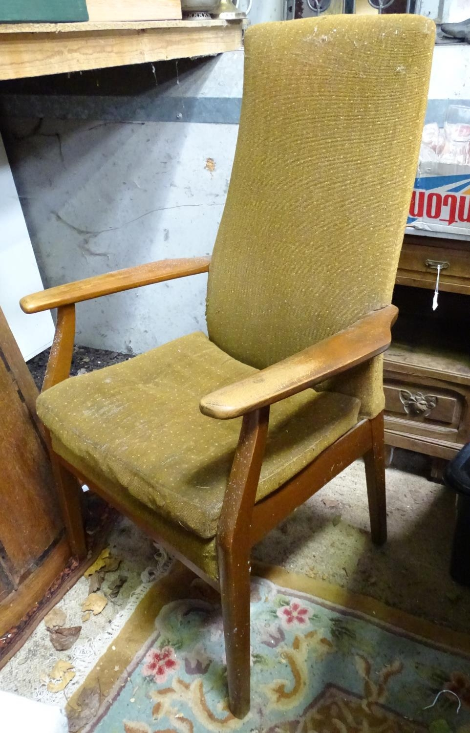 A mid century vintage retro Parker Knoll armchair Please Note - we do not make reference to the - Image 3 of 3