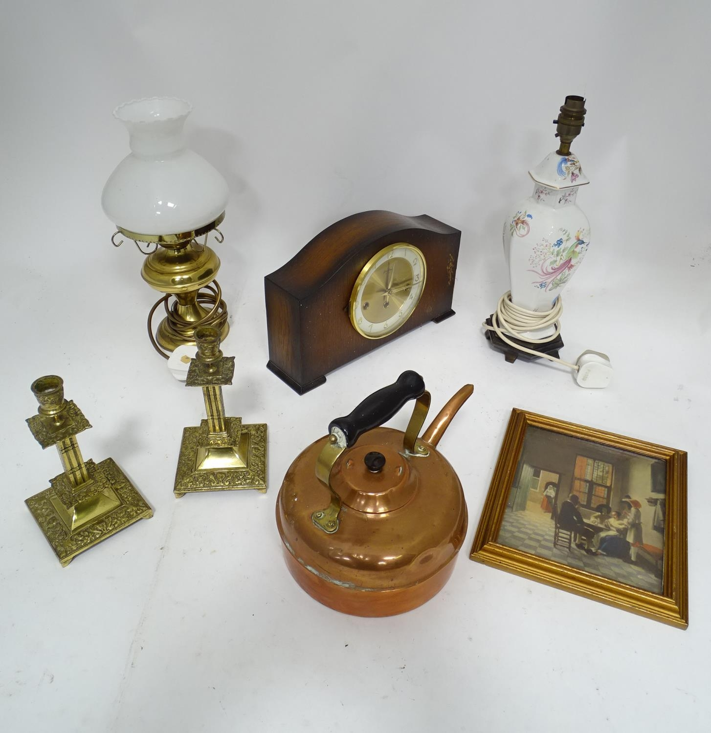 A box of assorted items to include ceramic lamp stand, brass candlesticks, 20thC mantle clock etc. - Image 3 of 10