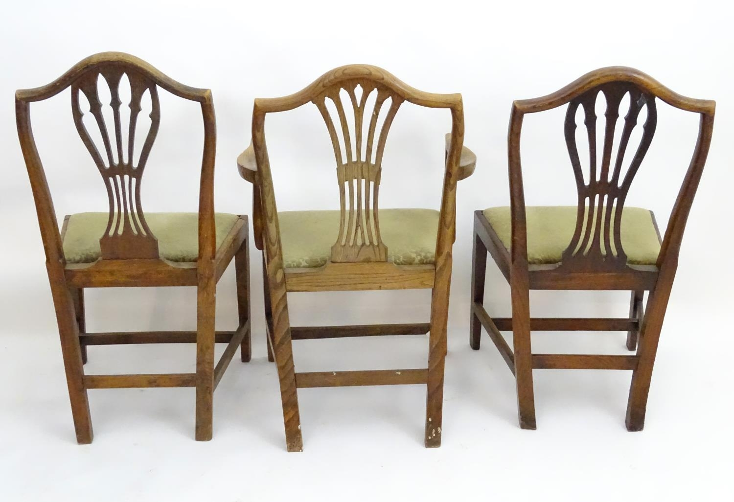 Three Georgian elm dining chairs (3) Please Note - we do not make reference to the condition of lots - Image 2 of 4