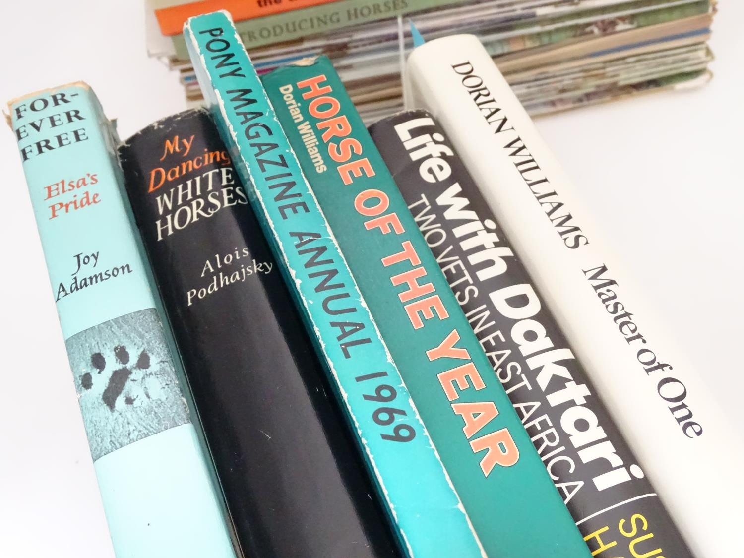 A quantity of riding books, titles to include Master of One, An autobiography of Dorian Williams, - Image 2 of 5