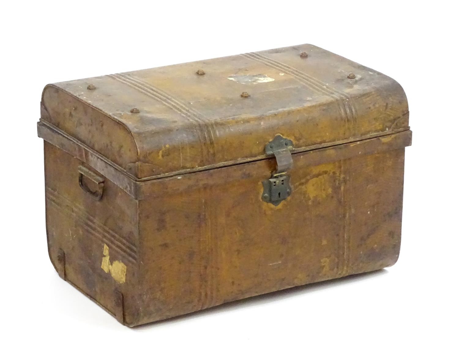 Two late 19thC tin trunks with lifting lids and flanked by carrying handles. The largest measuring - Image 11 of 11