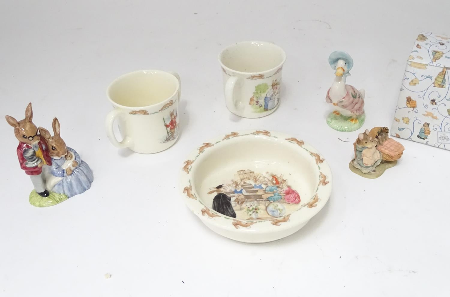 A quantity of Beatrix Potter ceramics, Bunnykins etc. Please Note - we do not make reference to - Image 4 of 9
