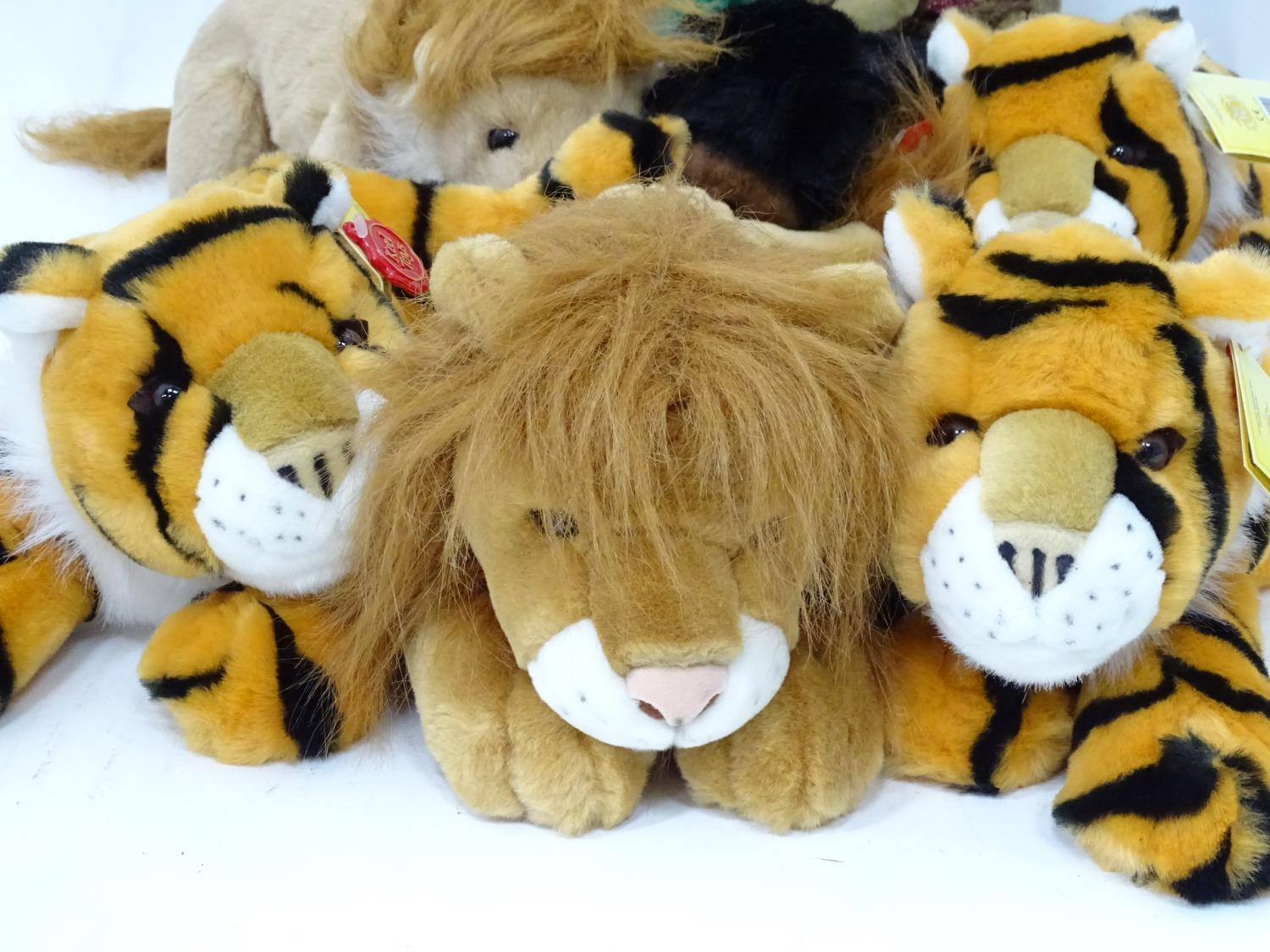 A quantity of Keel soft toys Please Note - we do not make reference to the condition of lots - Image 4 of 7