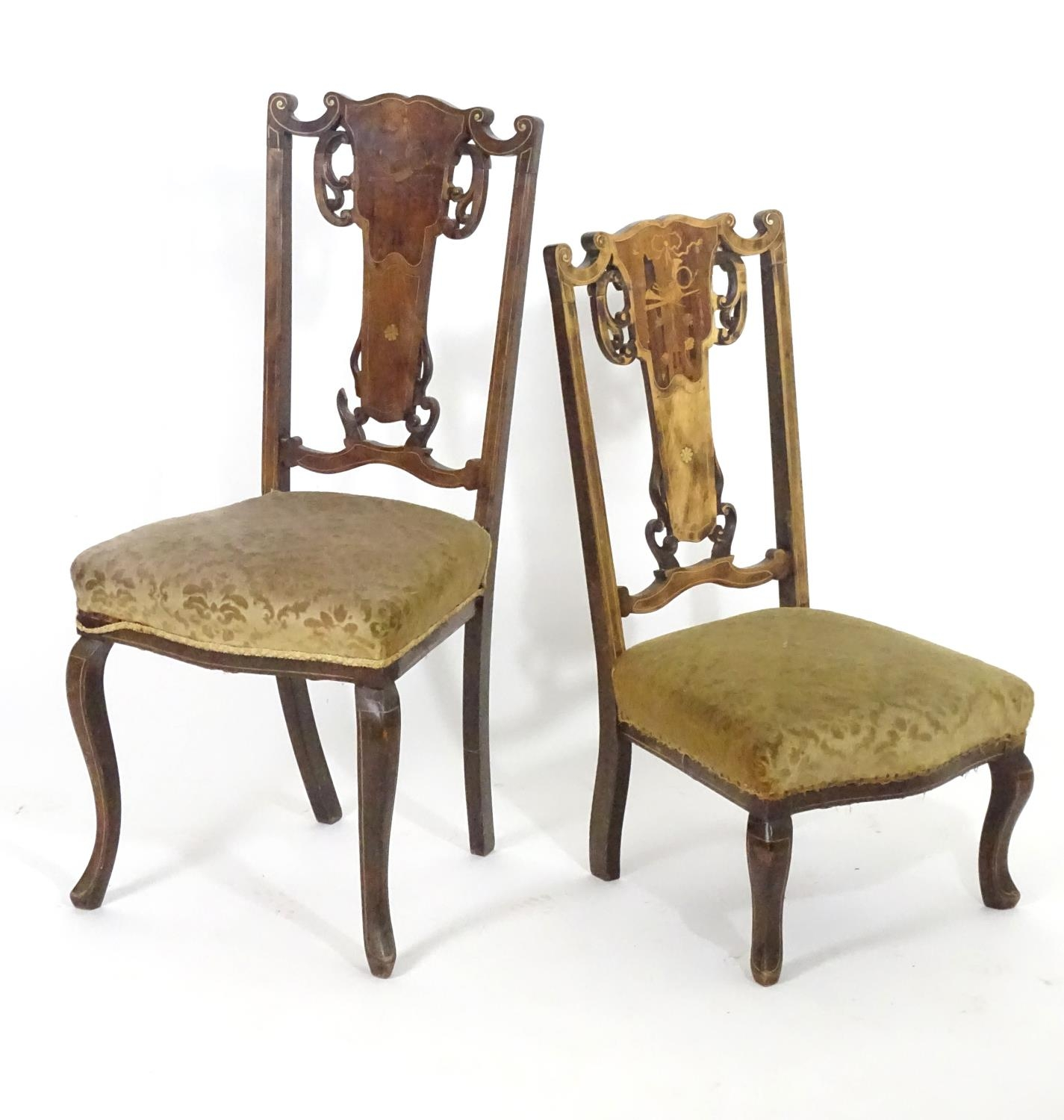 Two early 20thC side chairs with shaped top rails above tapered and pierced back splats with - Image 3 of 5