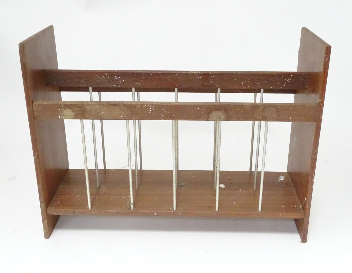 A mid 20thC vintage retro magazine rack Please Note - we do not make reference to the condition of - Image 3 of 4