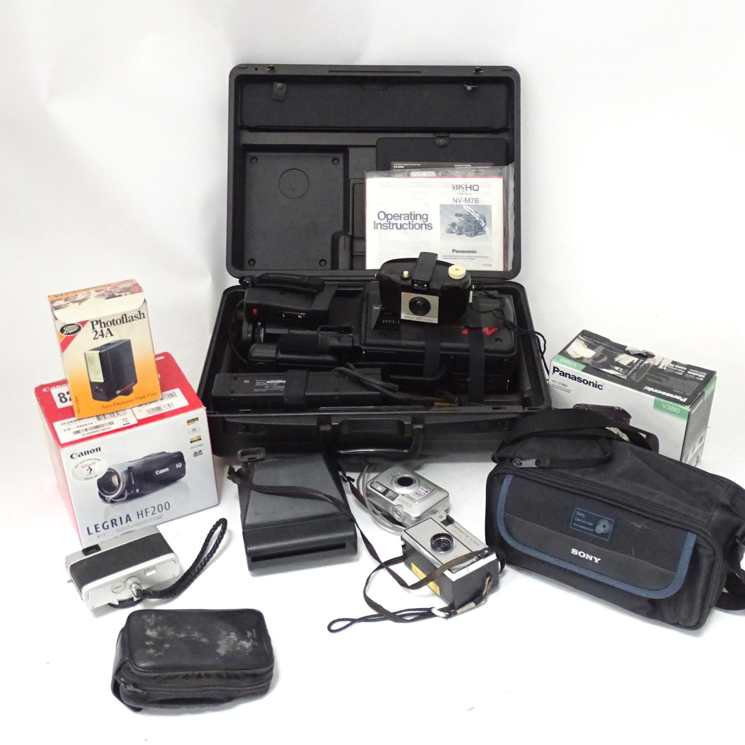 A quantity of cameras etc. Please Note - we do not make reference to the condition of lots within