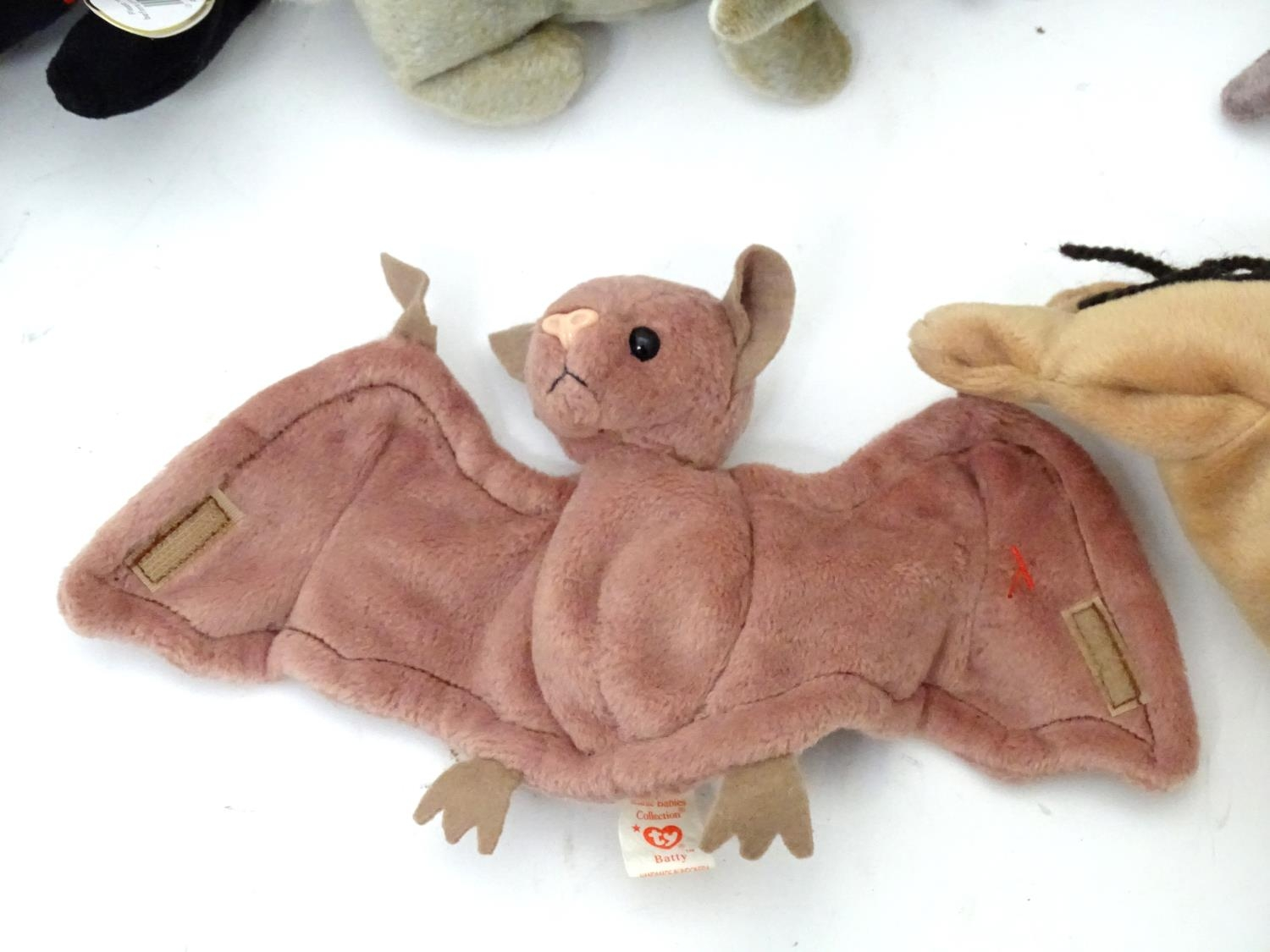 A quantity of TY Beanie Babies Please Note - we do not make reference to the condition of lots - Image 2 of 9