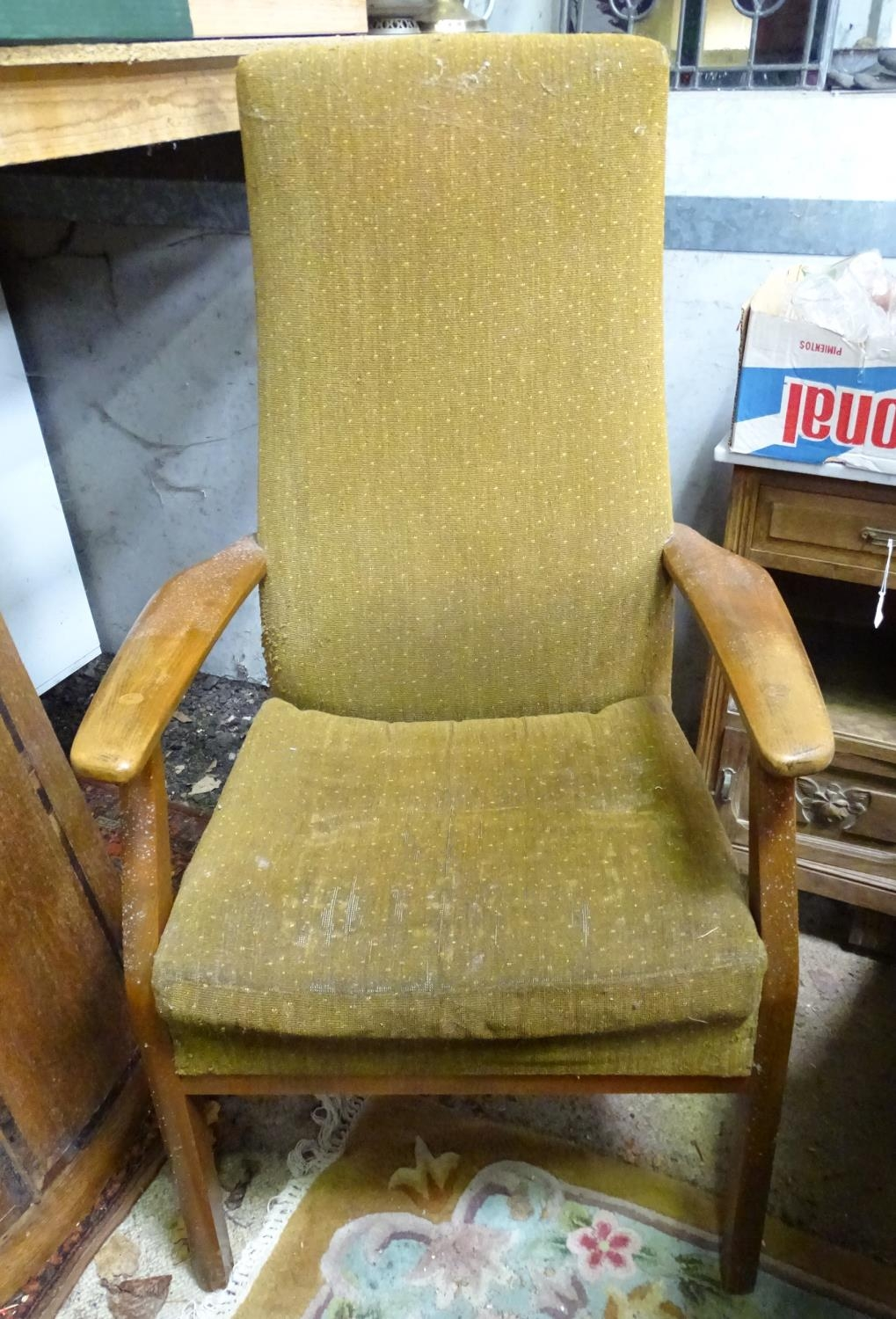 A mid century vintage retro Parker Knoll armchair Please Note - we do not make reference to the - Image 2 of 3