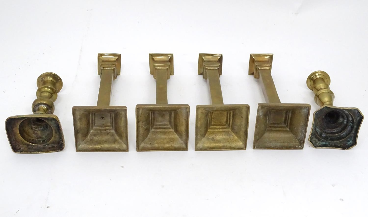 Four matching brass candlesticks, together with a pair of brass candlesticks (4+2) Please Note - - Image 2 of 5