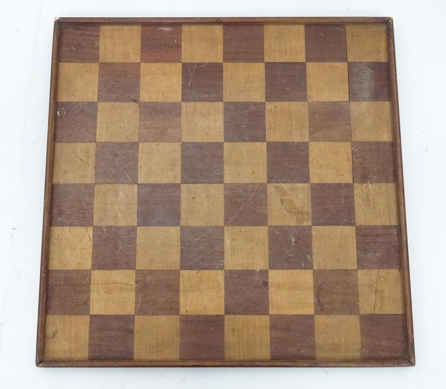 A games / chess board Please Note - we do not make reference to the condition of lots within
