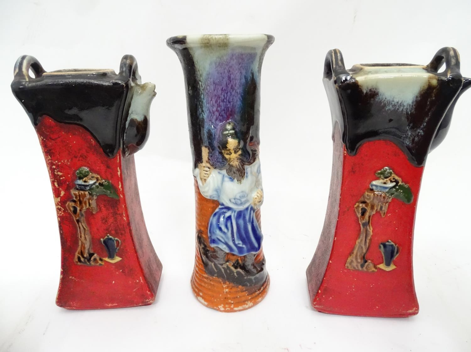 A quantity of Oriental ceramics Please Note - we do not make reference to the condition of lots - Image 7 of 15