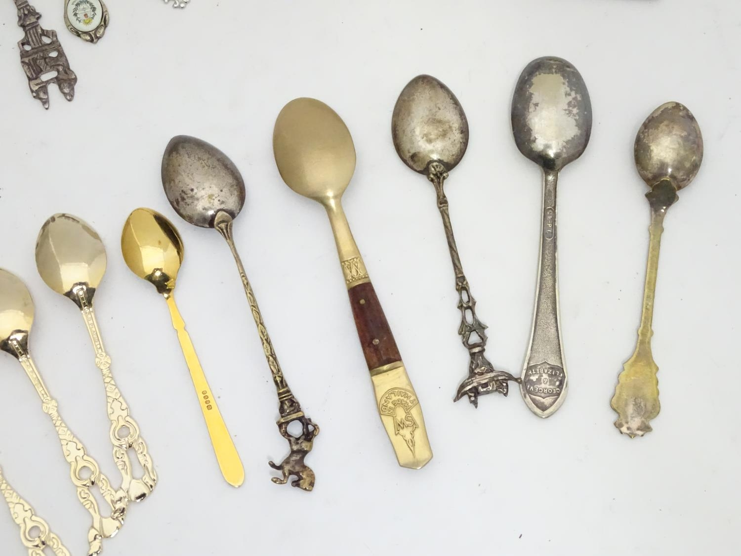 A quantity of assorted novelty spoons Please Note - we do not make reference to the condition of - Image 12 of 14