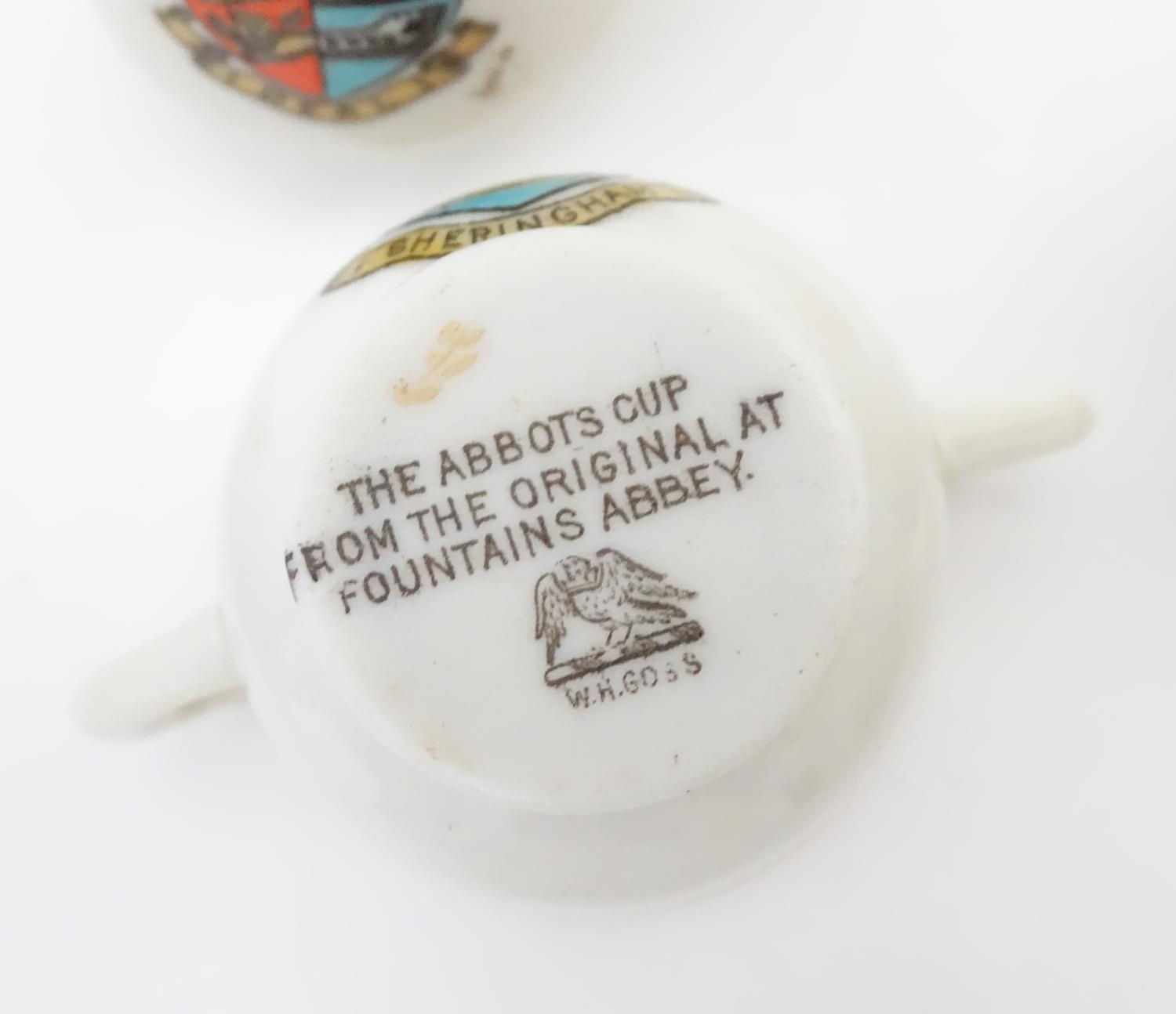 A quantity of Crested Ware to include Leicester camel, Blackpool rabbit, Lowestoft frog, etc. Please - Image 15 of 21
