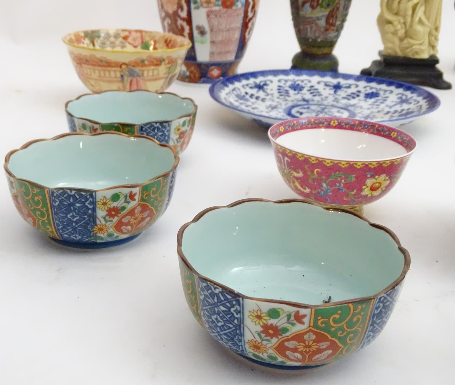A quantity of Oriental ceramics Please Note - we do not make reference to the condition of lots - Image 8 of 9