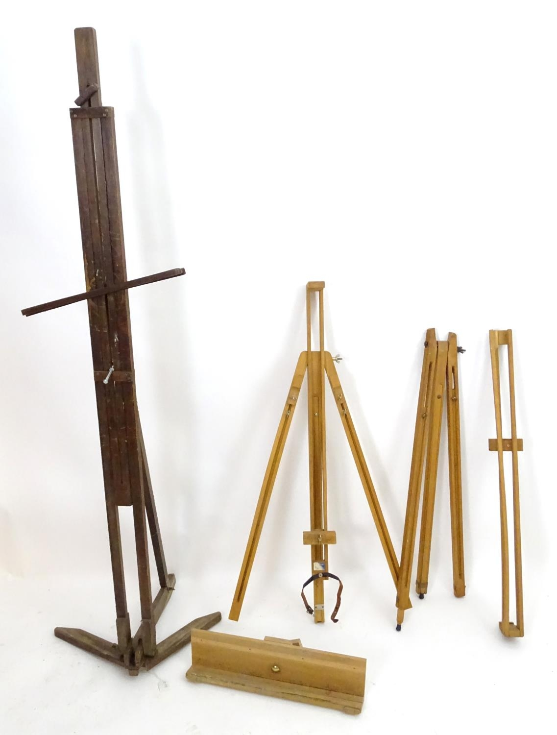Two easels (2) Please Note - we do not make reference to the condition of lots within