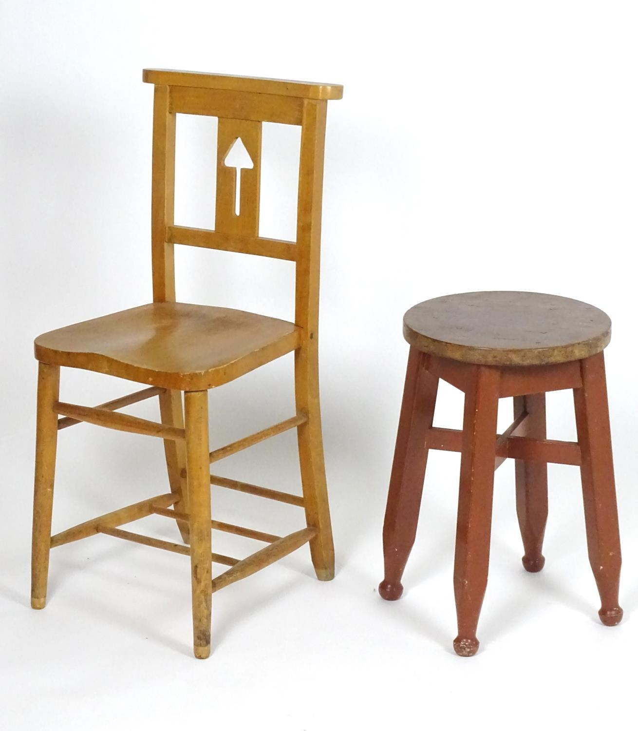 An early 20thC pine stool together with a chair having a shaped top rail and pierced back splat. - Image 4 of 4