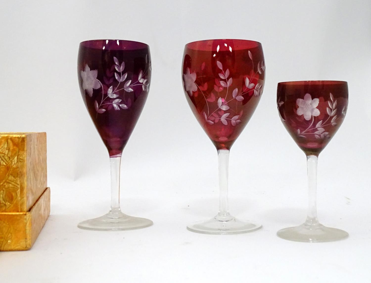 A quantity of drinking glasses with etched decoration Please Note - we do not make reference to - Image 4 of 4
