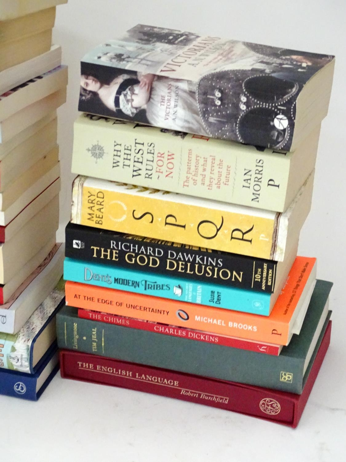 A quantity of books to include titles by Alan Bennett, Jeremy Clarkson, Bill Bryson, Anthony - Image 2 of 6
