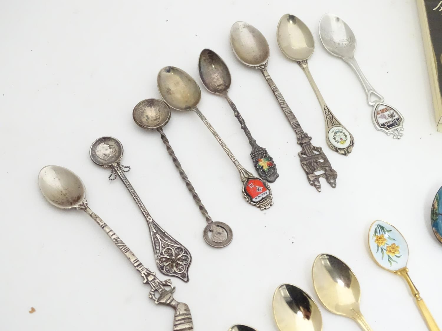 A quantity of assorted novelty spoons Please Note - we do not make reference to the condition of - Image 4 of 14