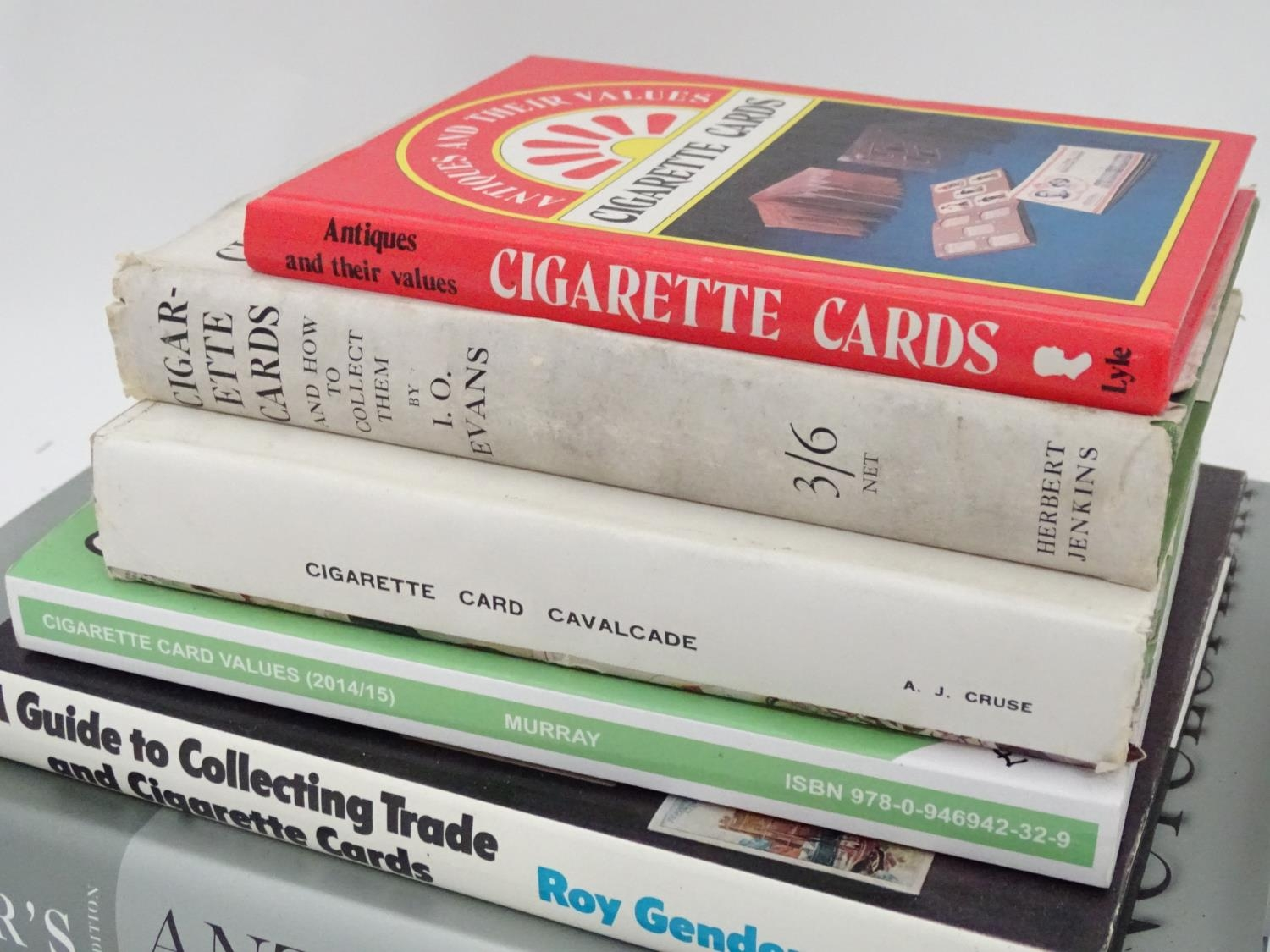 A quantity of assorted books to include Cigarette Trade Card Collecting, A Guide to War Publications - Image 4 of 6