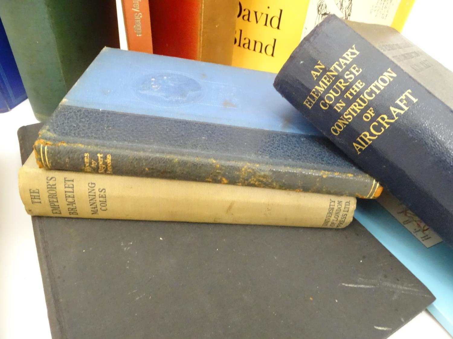 A quantity of assorted books to include The Anatomy of the Human Skeleton by J. E. Frazer, - Image 10 of 11